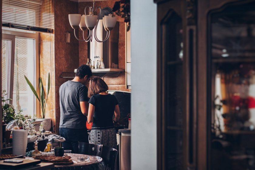 Oświetlenie do kuchni – jakie wybrać? Mini poradnik.
