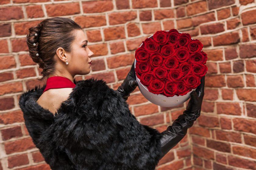 """""""Róże Wieczne Rose Du Chateau"""" – idealny prezent dla kobiet"""